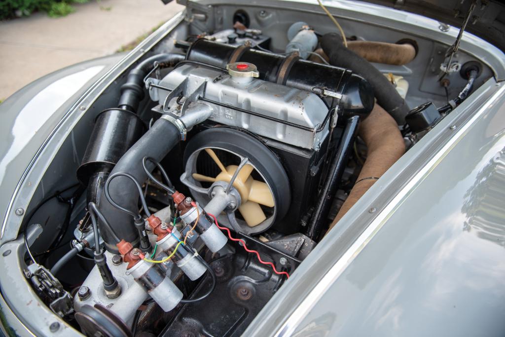 auto_union_1000_s_coupe_de_luxe_7.jpg